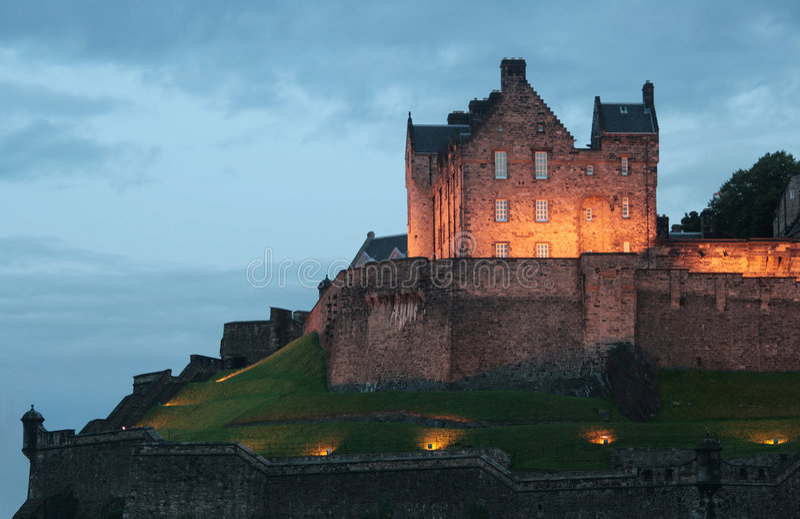 Château au crépuscule photographie stock libre de droits
