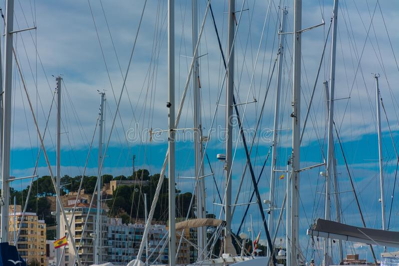Château, bâtiments et bateaux à voile images libres de droits