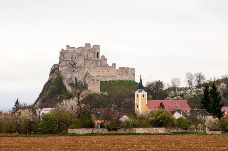 Château Beckov en Slovaquie image stock