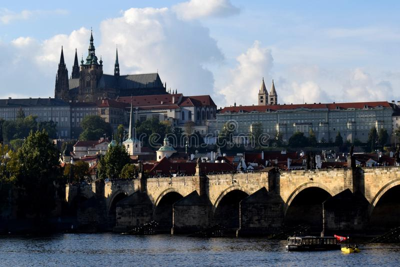 château Charles Prague de passerelle photos stock
