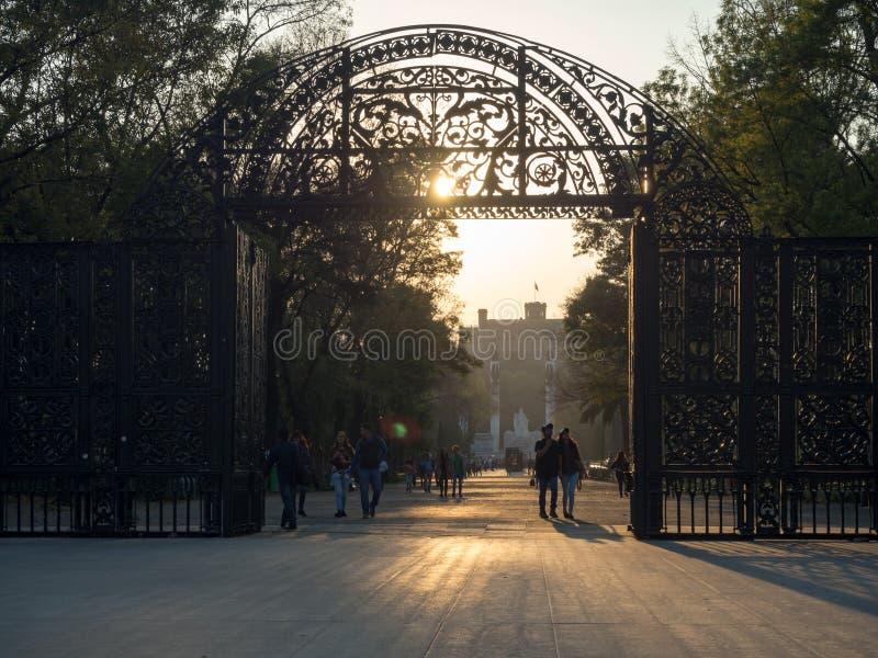Château colonial de Chapultepec, vues, colline, parc image libre de droits