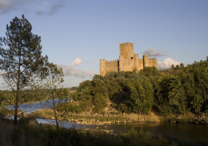 Château d'Almourol au coucher du soleil photos stock