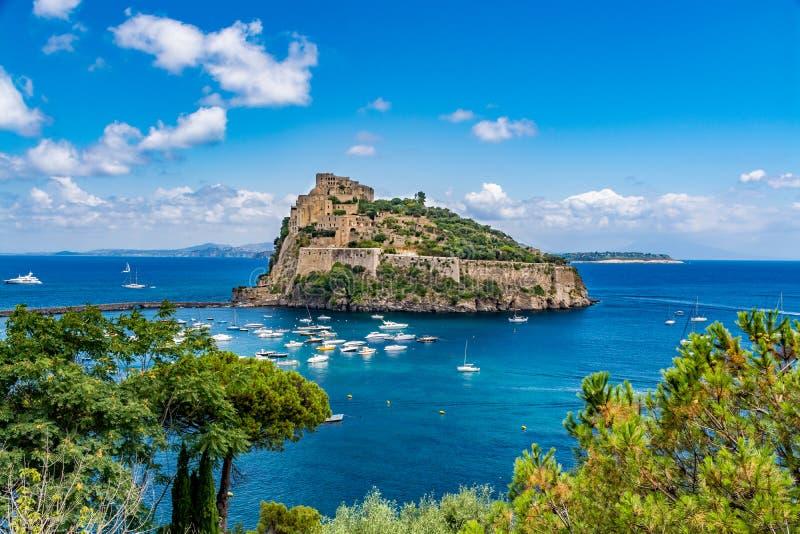 Château d'Aragonese - Castello Aragonese, ischions île, Italie photographie stock