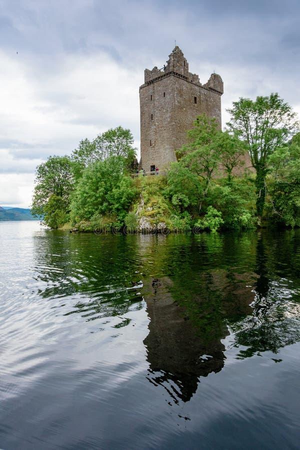 Château d'Urquhart sur Loch Ness photo stock