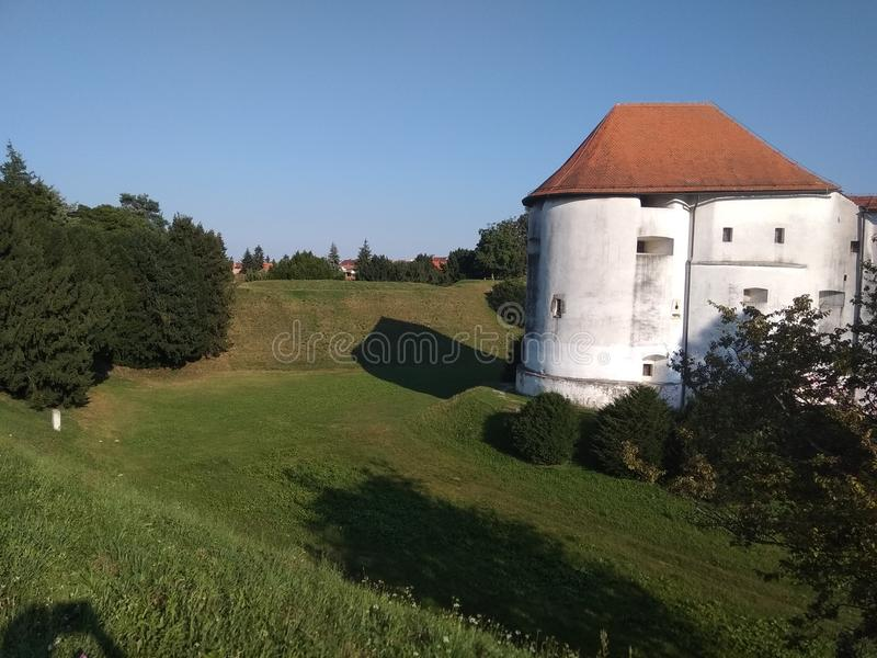 Château dans la ville de vacarme de ¾ de VaraÅ photo libre de droits