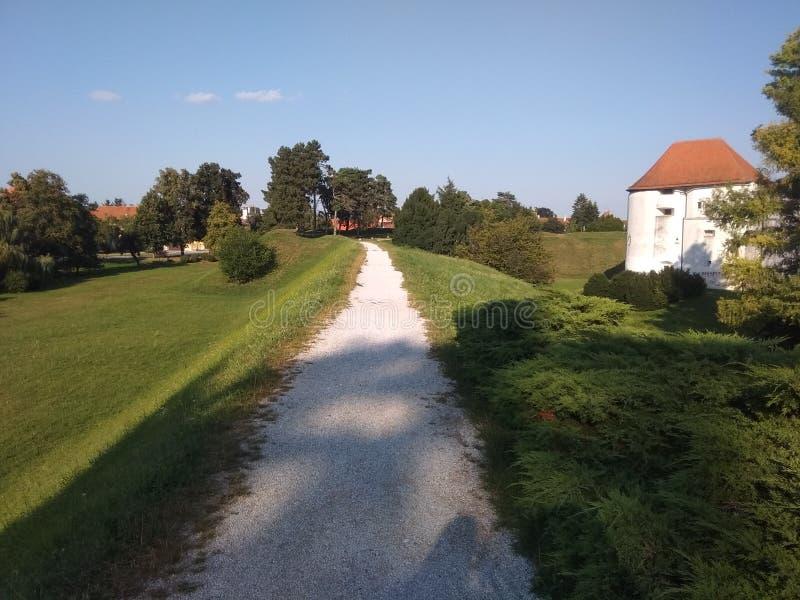 Château dans la ville de vacarme de ¾ de VaraÅ images libres de droits