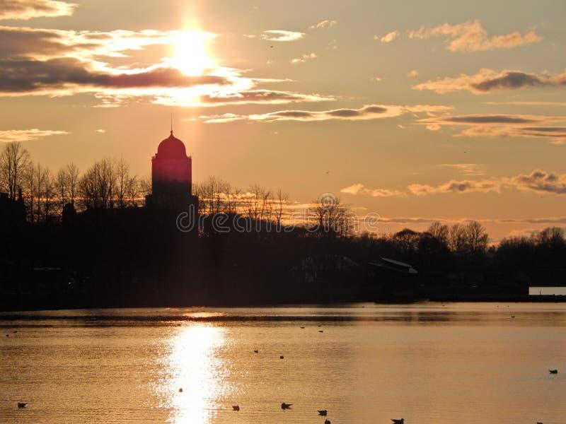Château dans le coucher du soleil image stock