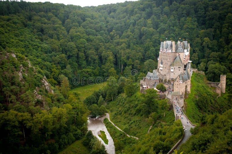 Château dans une forêt image libre de droits
