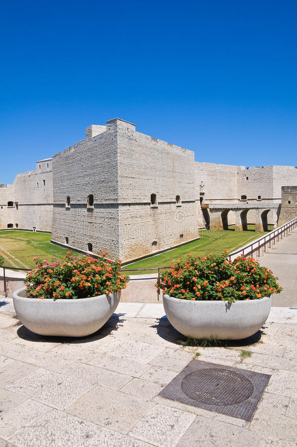 Château de Barletta. La Puglia. l'Italie. image stock