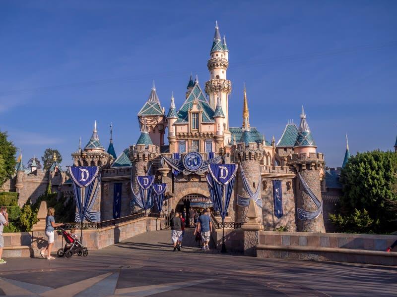 Château de beauté de sommeil au parc de Disneyland photographie stock libre de droits