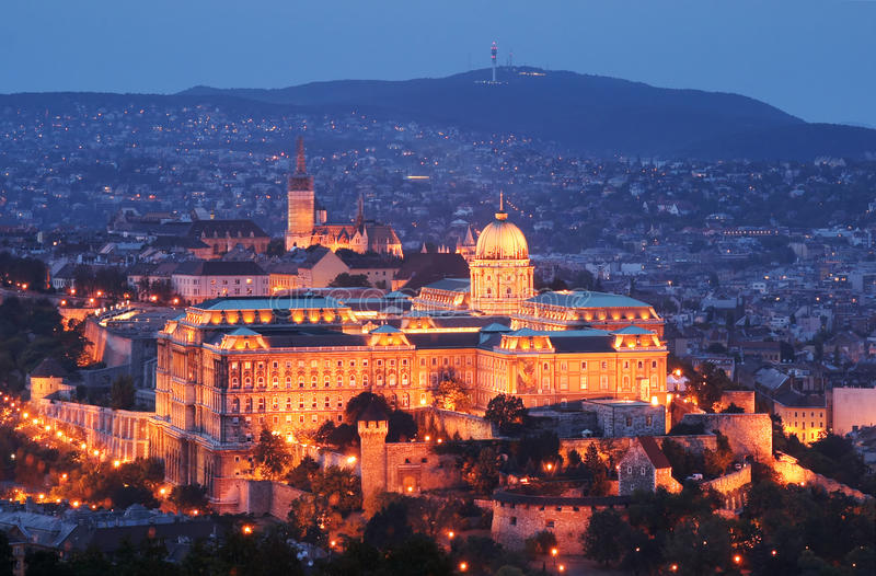 Château de Buda par nuit - Budapest, Hongrie photo stock