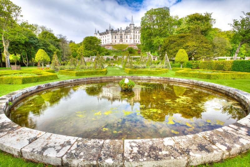 Château de Dunrobin reflété photographie stock