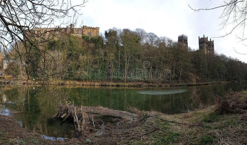 Château de Durham et cathédrale et l'usage de rivière, Angleterre, R-U photo libre de droits