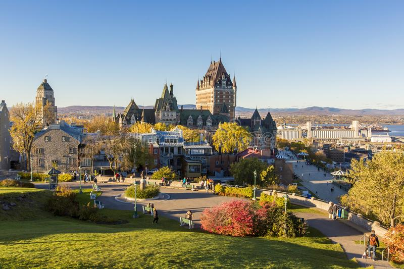 Château de Frontenac à vieux Québec pendant la belle saison d'automne images stock