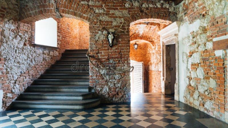 Download Château De Korzkiew Construit Pendant La Moitié Du 14ème Siècle Image stock éditorial - Image du romantique, historique: 77155094