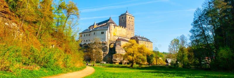 Château de Kost dans le paradis de Bohème, République Tchèque Vue panoramique de vallée de Plakanek photographie stock