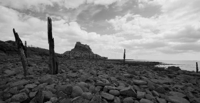 Château de Lindisfarne noir et blanc photos stock