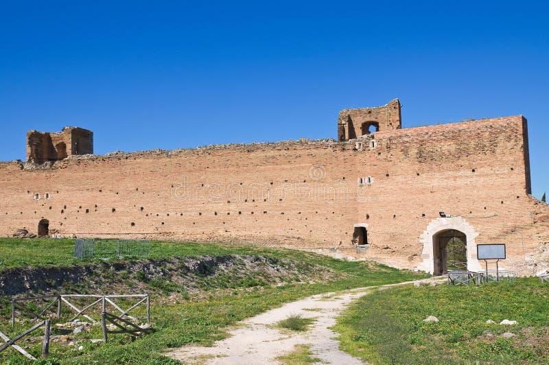 Château de Lucera. La Puglia. l'Italie. images libres de droits
