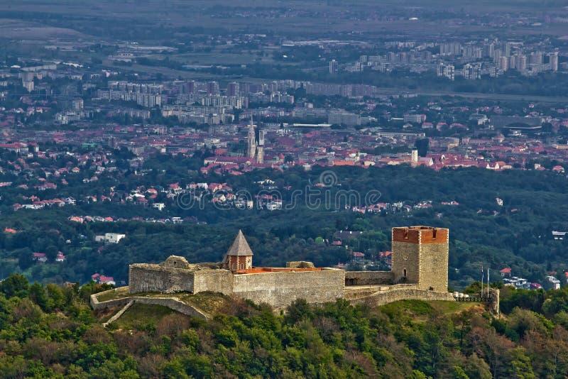 Château de Medvedgrad et Zagreb capital croate photographie stock