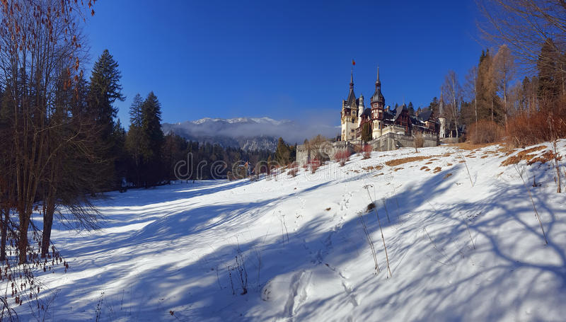 Château de Peles, le point de repère roumain célèbre photos stock