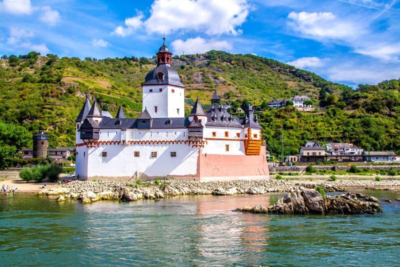 Château de Pfalzgrafenstein, sur l'île de Falkenau dans le riv du Rhin photographie stock libre de droits