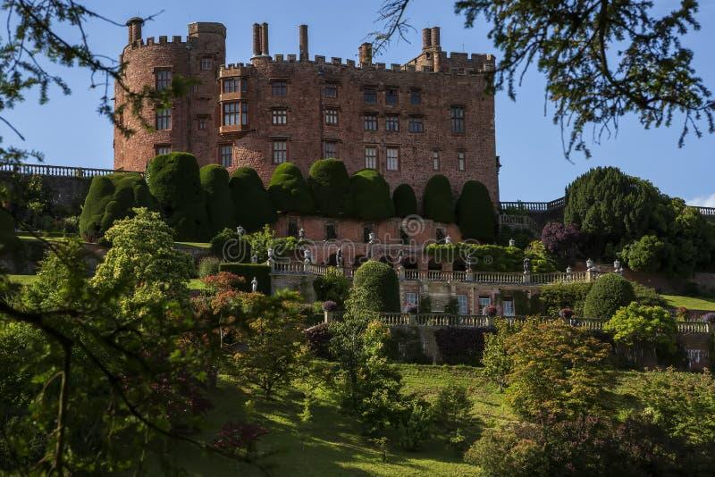 Château de Powis Les jardins en terrasse du château de Powis, Pays de Galles, Royaume-Uni images stock