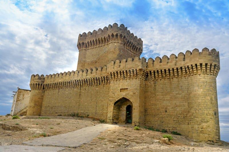 Château de Ramana dans le village de Ramana de Bakou images stock