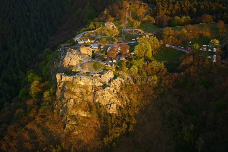 Château de Regenstein dans les montagnes de Harz en Allemagne, vue aérienne image stock
