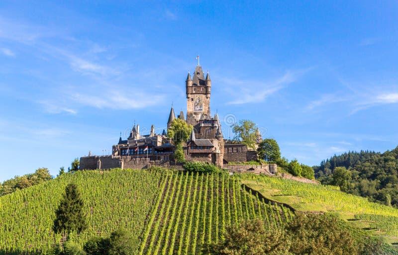 Château de Reichsburg dans Cochem sur la Moselle images libres de droits