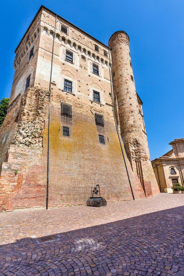 Château de Roddi, situé dans Piémont, l'Italie images stock