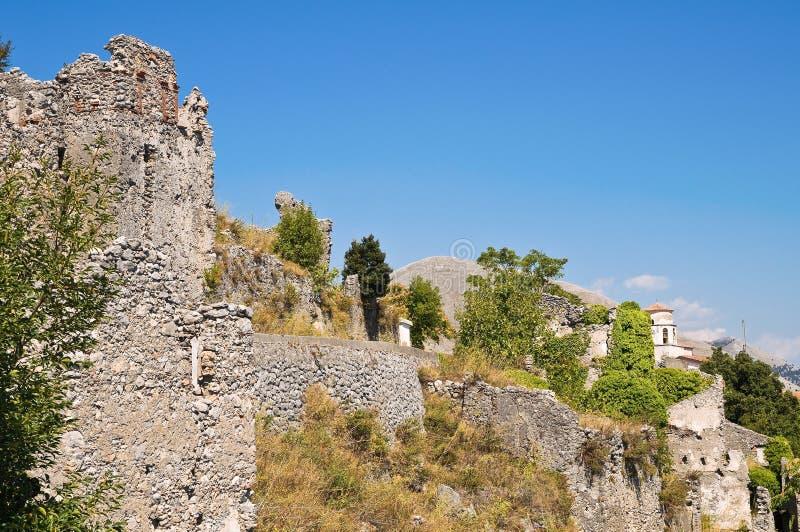 Château de ruines. Maratea. Basilicate. L'Italie. photos stock
