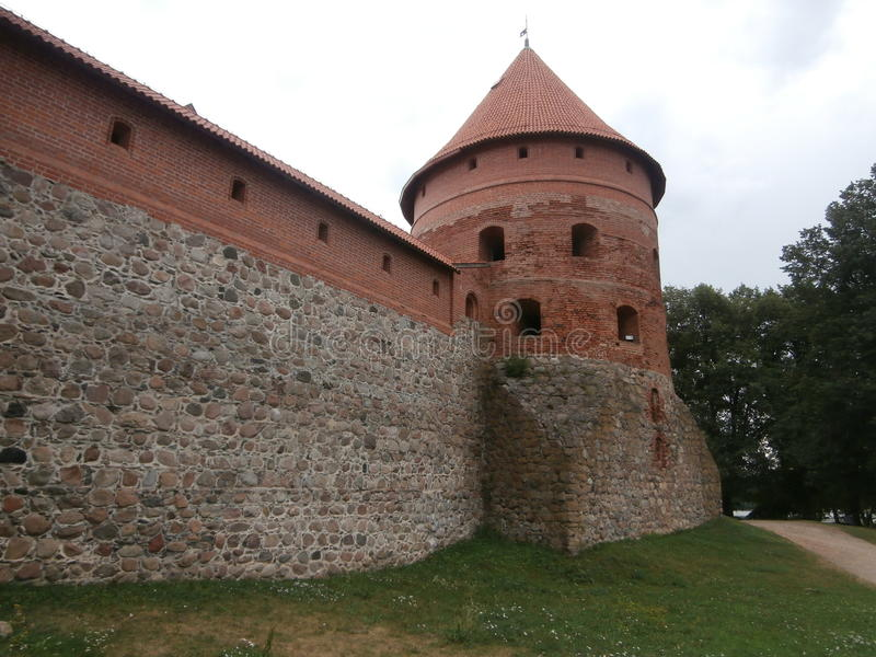 Château de Trakai sur l'île du lac Galve en Lithuanie photo libre de droits
