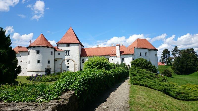 Château de vacarme de ¾ de VaraÅ photographie stock libre de droits