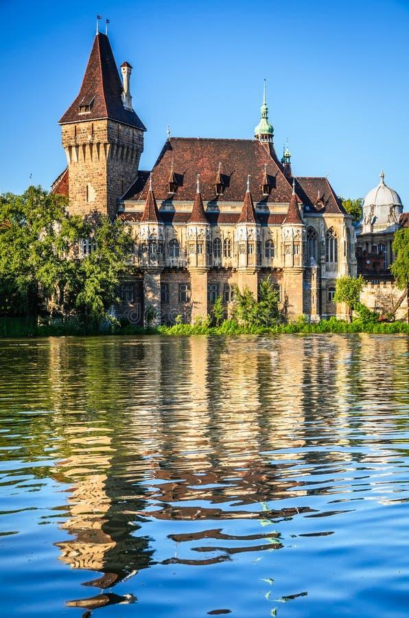 Château de Vajdahunyad à Budapest, Hongrie photographie stock