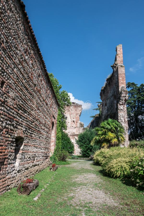 Château de Visconti dans le ` Adda ITALIE de sull de Trezzo photos stock