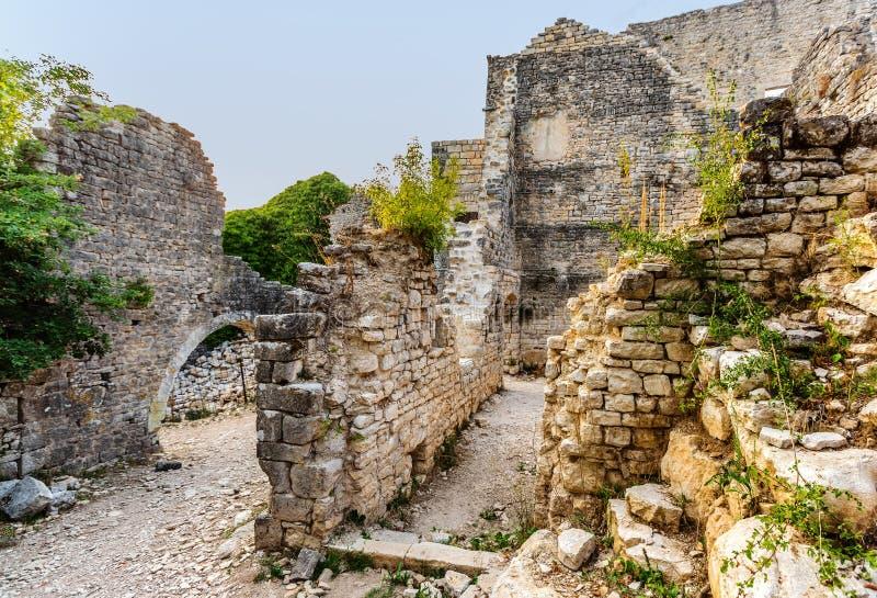 Château Dvigrad dans Istria, Croatie photographie stock