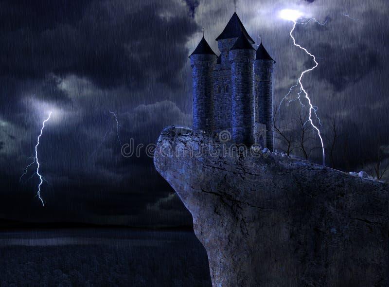 Château enchanté la nuit dans un orage images stock
