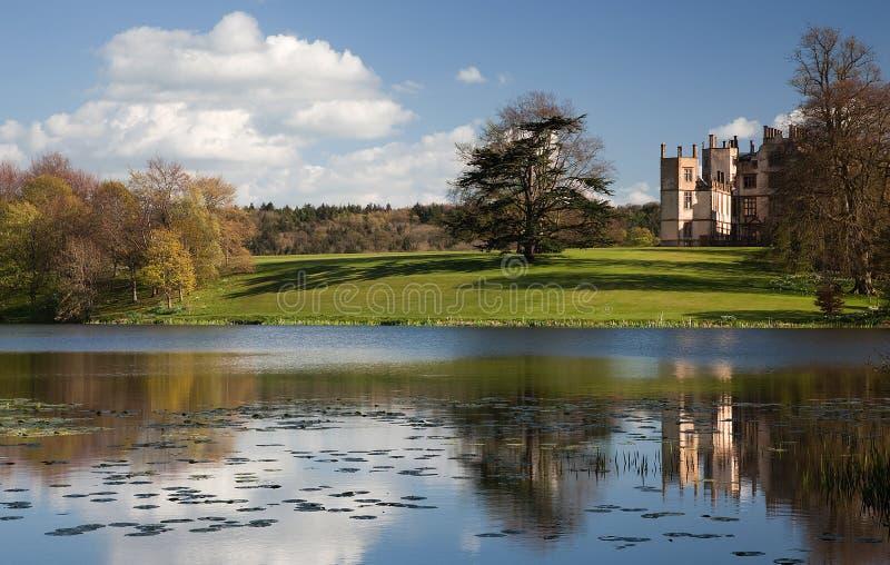 Château et lac de Sherborne photo libre de droits