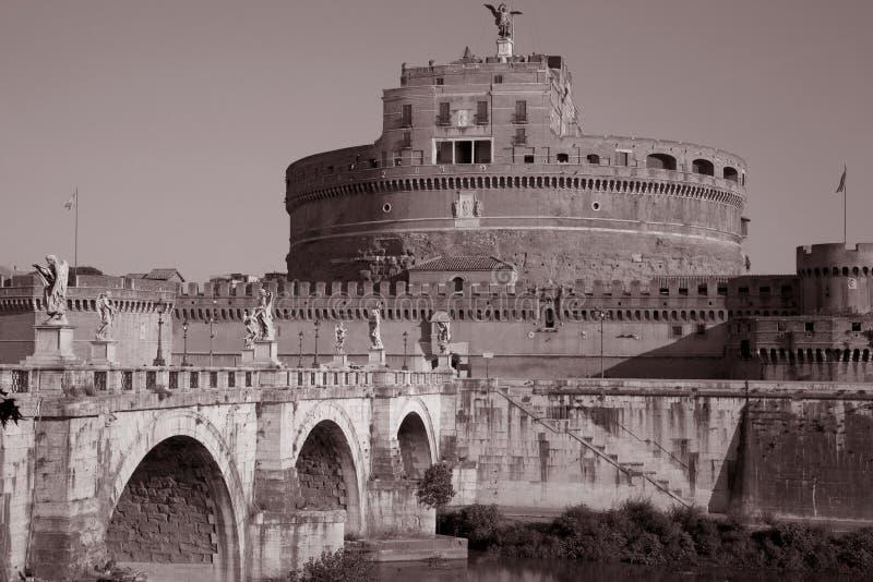 Château et passerelle de Sant Angelo à Ville du Vatican photos libres de droits