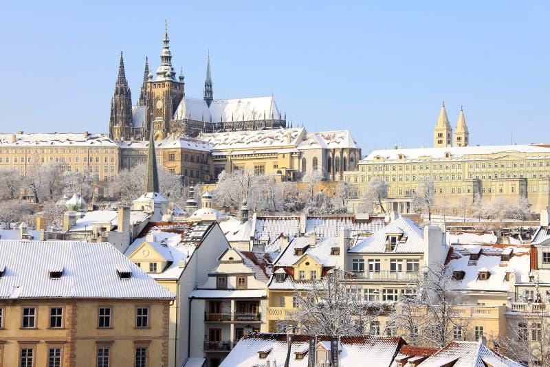 Château gothique de Milou Prague au-dessus de rivière Vltava, République Tchèque images libres de droits