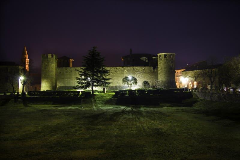 Château Grimani la nuit photographie stock libre de droits