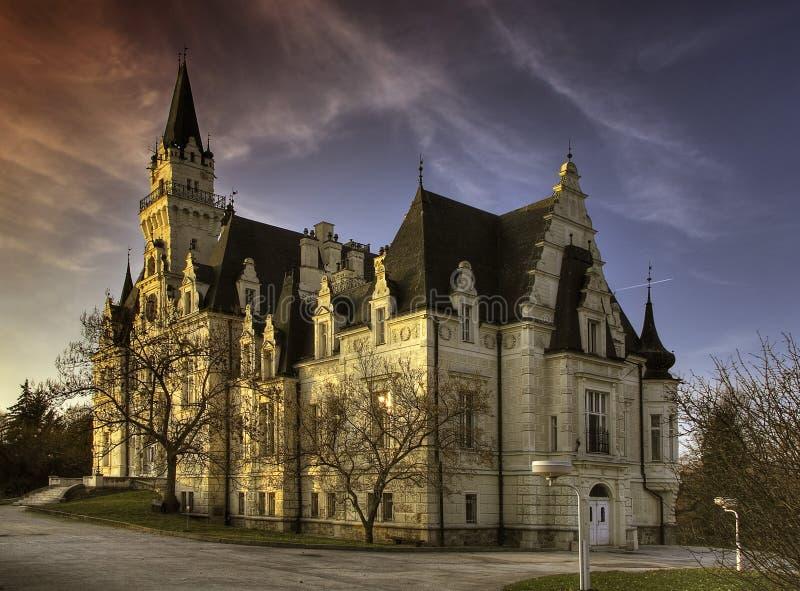 Château hanté image stock