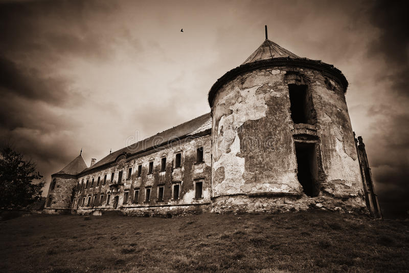 Château hanté foncé image stock