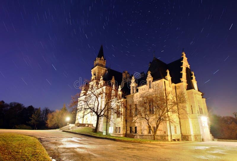 Château hanté - longue exposition photos libres de droits