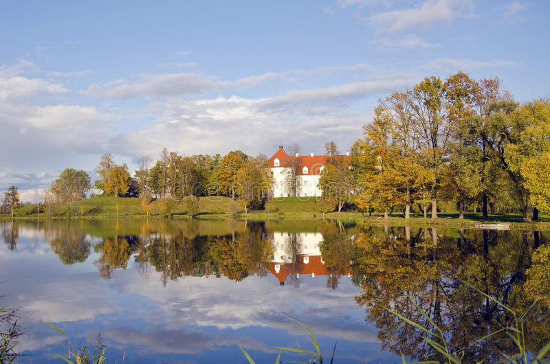 Château historique médiéval lithuanien Birzai photos stock