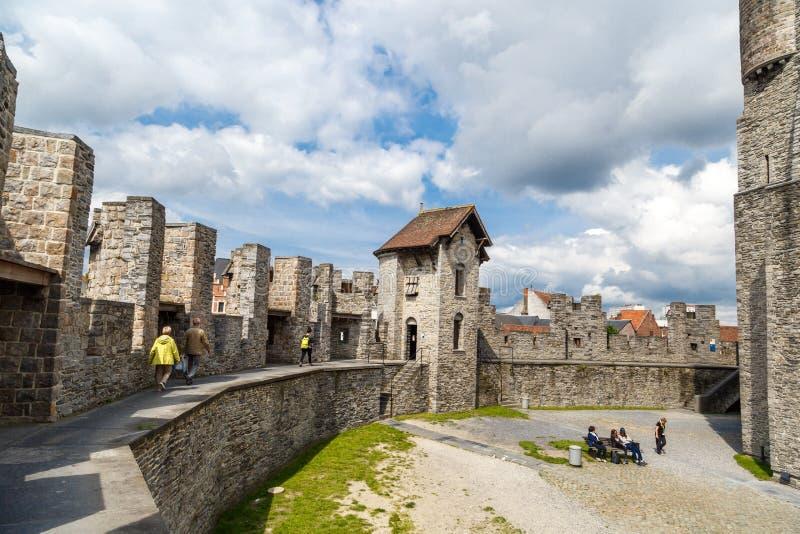 Château intérieur de Gravensteen dans le monsieur images stock