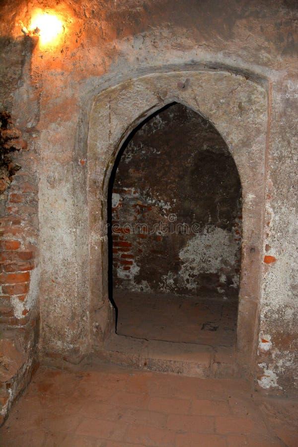 Château intérieur de Hunedoara, appelé le château de Corvin dans Transilvania photo stock