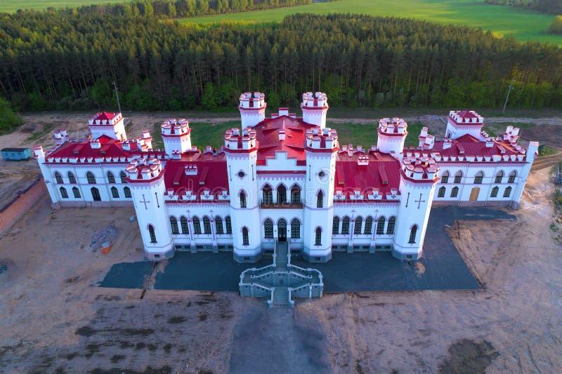 Château-palais antique reconstitué de Puslovsky Kossovo, Belarus photo stock