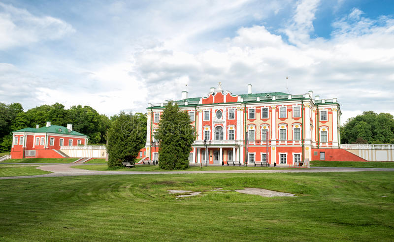 Download Château Présidentiel En Parc De Kadriorg, Tallinn, Estonie Photo stock éditorial - Image du histoire, célèbre: 76085158