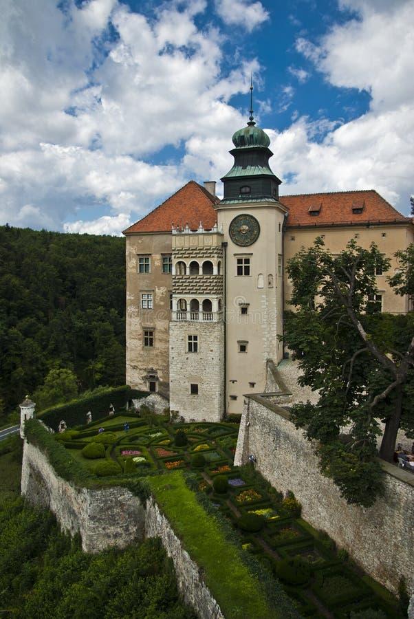Château romantique, palais de la Renaissance photos stock